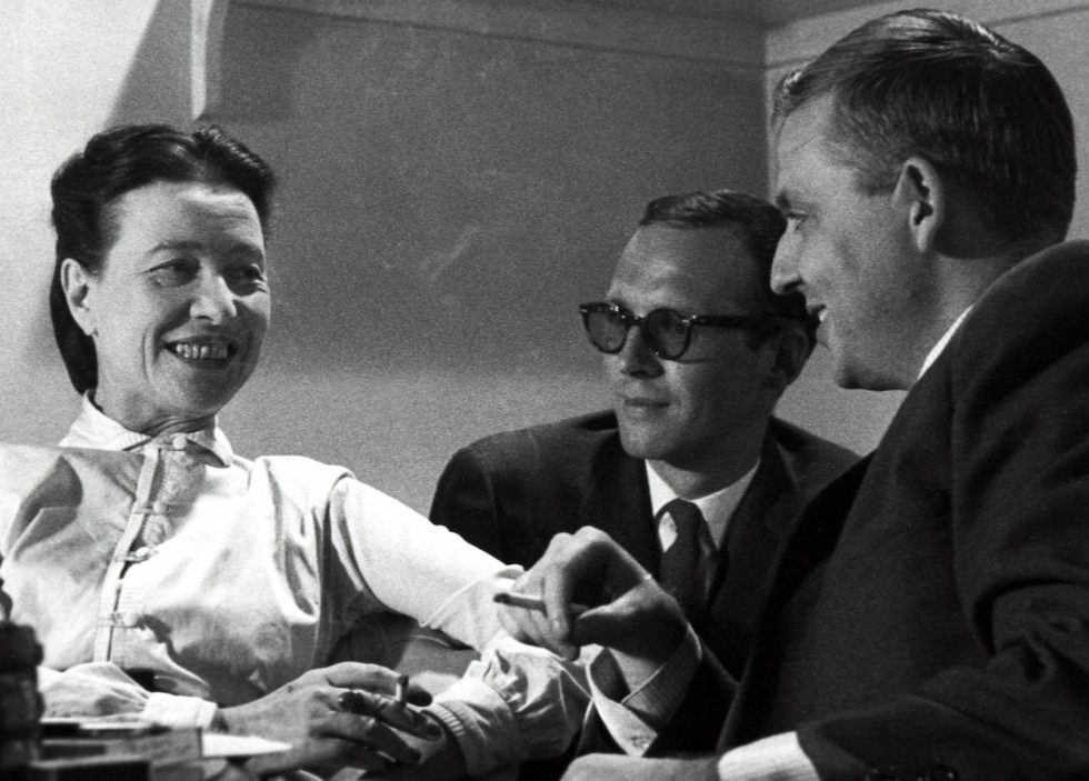 Behind the scenes: Simone de Beauvoir, Claude Sylvestre (director) and Wilfrid Lemoyne, 1959 Photo: Radio Canada